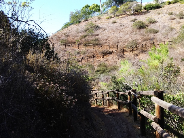 Santa Fe Valley switchbacks on trail. San Diego hiking. Fitlifeandtravel.com