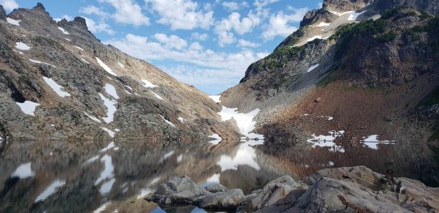 Foggy Lake. Washington. Hiking. FitlifeandTravel.com