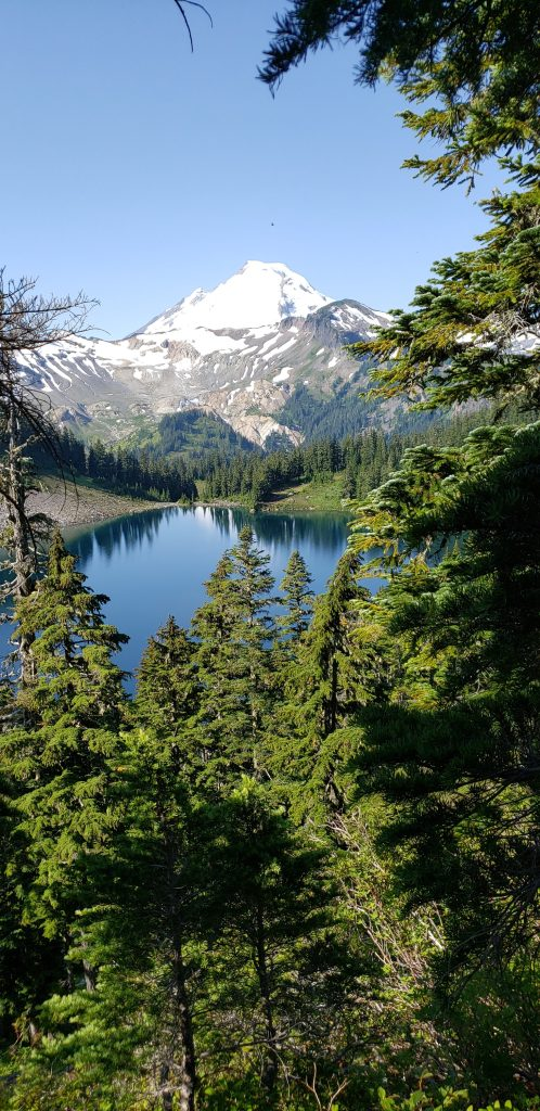 Hiking near Seattle, Washington. FitlifeandTravel.com