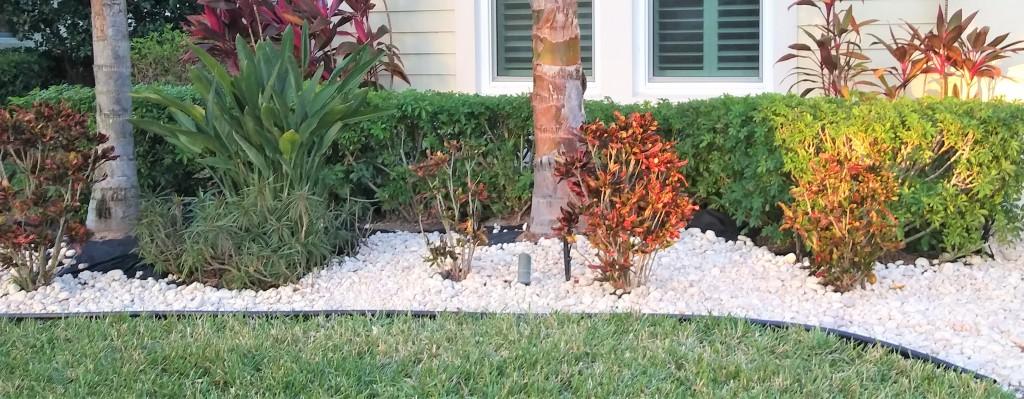 Landscaping Rocks. Edging, plant bed, flower beds. Fitlifeandtravel.com