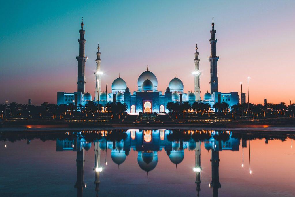 Grand Mosque Dubai. FitlifeandTravel.com